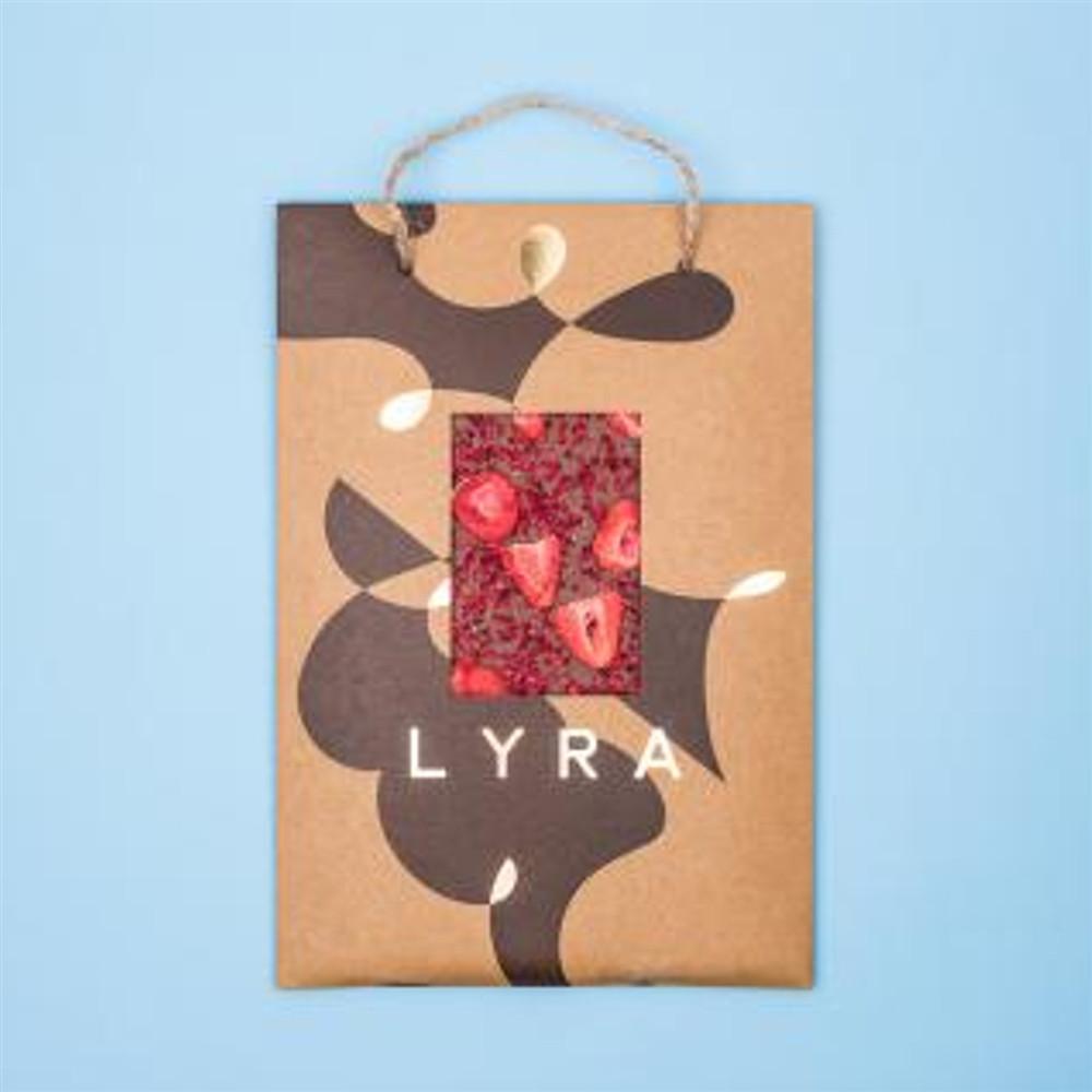 Čokoláda - LYRA PREMIUM  A4 milk s posypem 300g